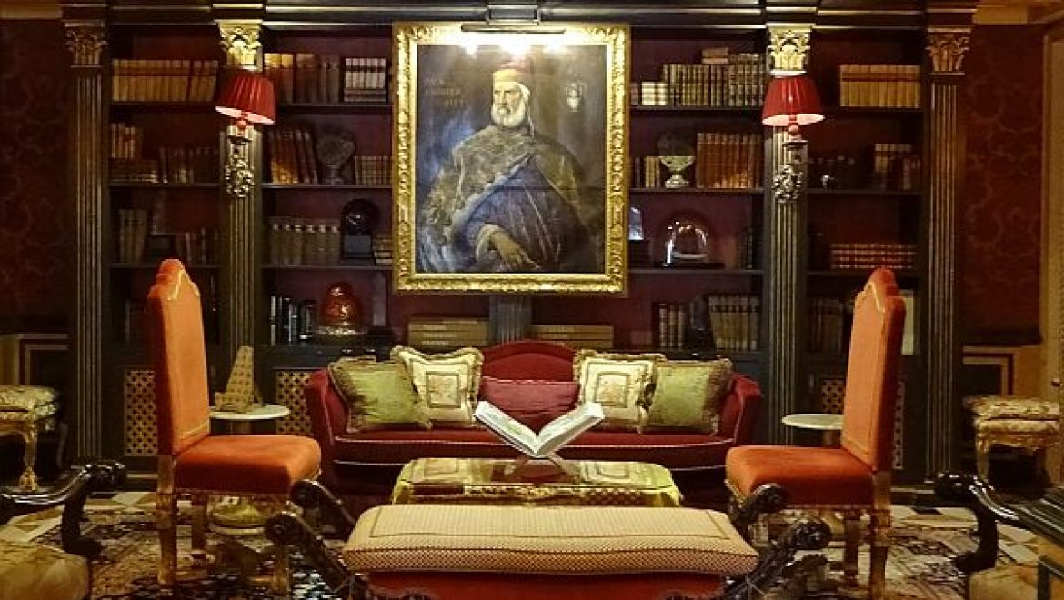 The Gritti Palace in Venice will show you how to deal with rain and storm in its typical charming Renaissance style!